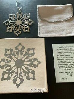 1982 MMA Metropolitan Museum of Art Sterling Silver Snowflake Ornament