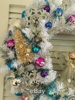 VINTAGE CHRISTMAS ORNAMENT WREATHAngel Mica Silver BlueJapan Shiny Brite MCM