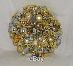 Vintage Silver Gold Christmas Xmas Wreath Ornament Metallic 18091